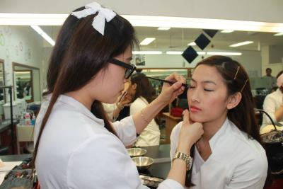 Certificate II in Retail Make-Up and Skin Care